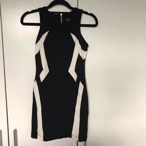 Bardot Junior Black & White Dress Sleeveless Sz 10